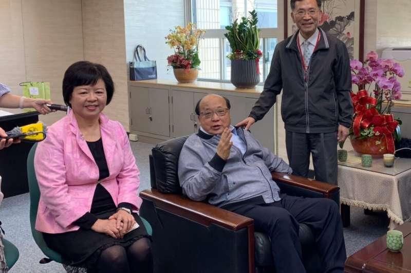北市第3位副市長出爐!就任日先上演「柯胡會」 蔡炳坤:願當兩人之間橋梁 -風傳媒