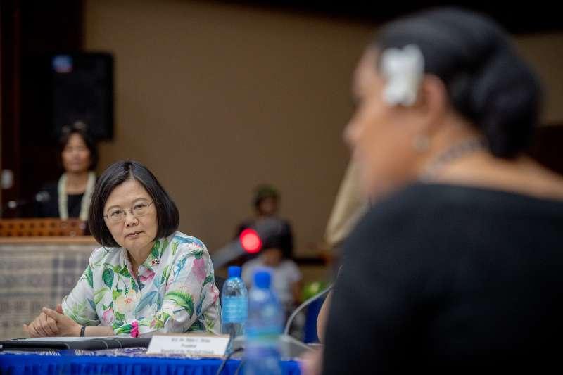作者指出,總統這次的出訪南太友邦實際上就是要鞏固中國的銀彈攻勢與美、澳國家的安全利益。(資料照,取自總統府@Flickr)