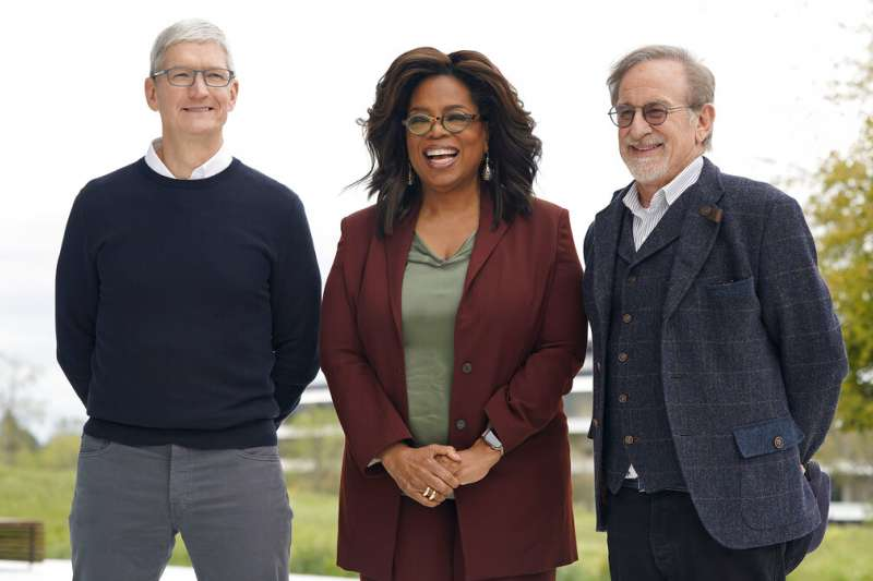 蘋果推出串流電視,歐普拉與史蒂芬史匹柏都現身力挺。(美聯社)