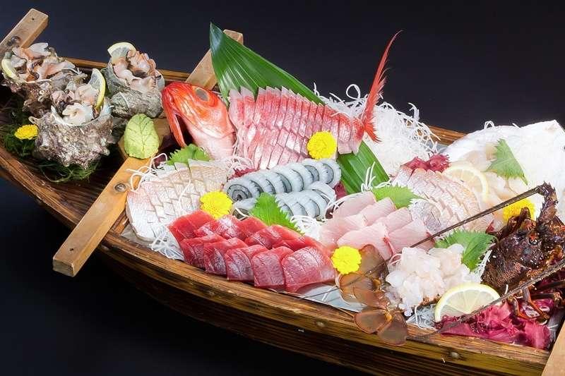 只要掌握以下方法,在家也能自做安全衛生的生魚片。(圖/pakutaso)