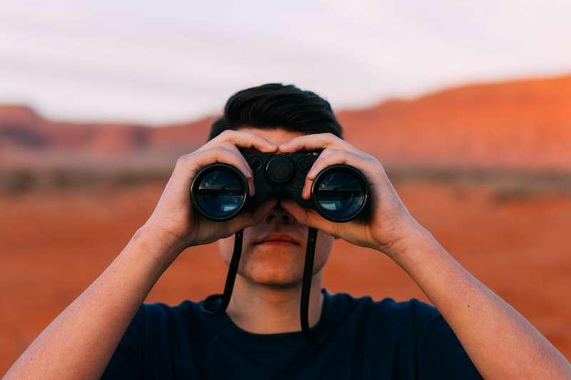 看不「用」眼,那要用什麼?(圖/Pixabay)
