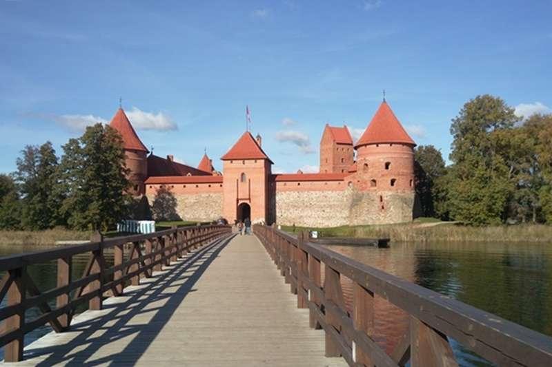 古典的特拉凱水上城堡。(圖/作者提供)