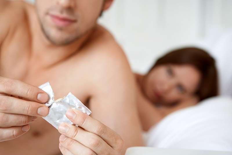 以下是男性從事床上運動時常有的5個錯誤盲點,請一起來看看女人到底在想什麼?(圖/健康傳媒提供)