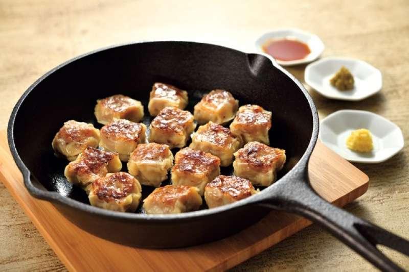 真空包裝的「烤燒賣」烹調範例。(圖/潮日本提供)