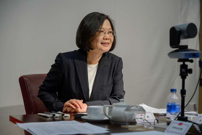 作者指出,台灣的統獨議題,基本上是一種讓支持者吃了會興奮的春藥,對台灣的國家競爭力與社會進步,毫無貢獻。(資料照,取自總統府@Flickr)