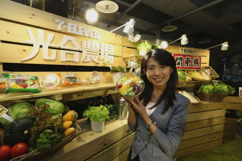 7-Eleven等業者針對消費模式等變化,做了充分的研究,開出新型態店面。(新新聞資料照)