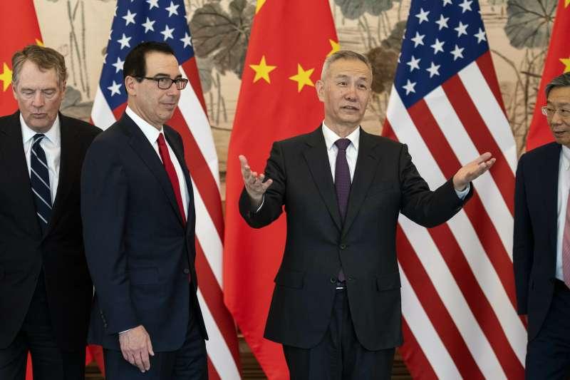 20019年3月,中美貿易戰,北京、華府第八輪談判,左起:萊特海澤、馬努欽、劉鶴(AP)