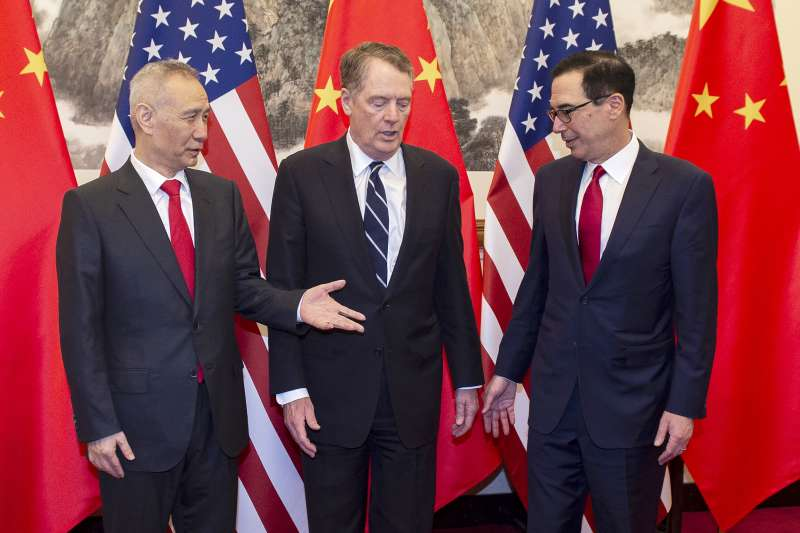 20019年3月,中美貿易戰,北京、華府第八輪談判,左起:劉鶴、萊特海澤、馬努欽(AP)