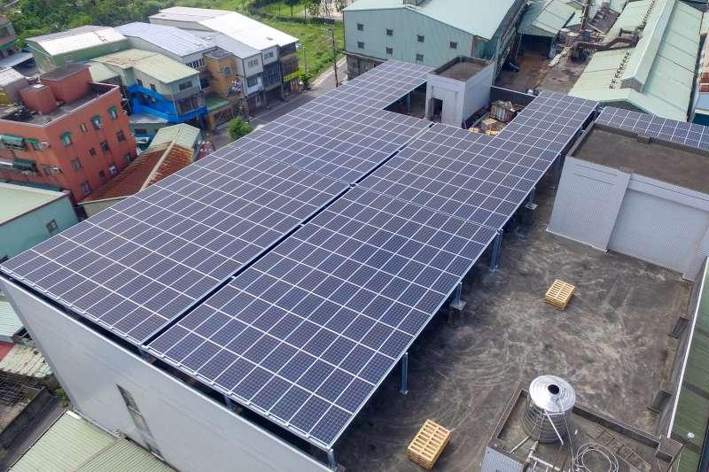 再生能源修法是幫業者解套拉股價的惡法!。 (圖/新北市經發局提供)