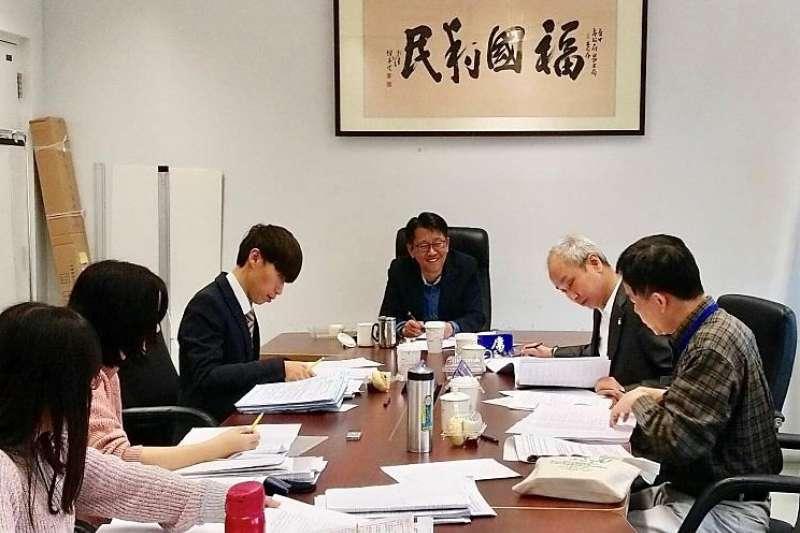 台中市政府勞工局成立「勞工權益基金」,提供勞工相關協助及經費補助。(圖/台中市政府提供)