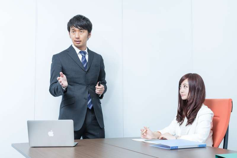頂著「創業青年」頭銜空降主管職,下場竟然超悲劇!(圖/pakutaso)
