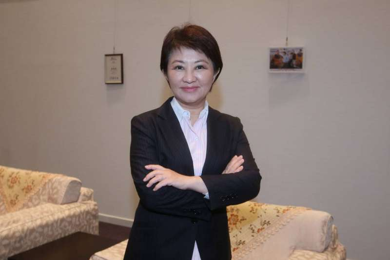 台中市長盧秀燕盧秀燕日前接受《風傳媒》專訪。上任至今已逾百日,她自評施政進行得還不錯,更大膽做出幾個決策,創意行銷台中,跟高雄搶人潮,讓台灣的亮點不能只有高雄。(柯承惠攝)