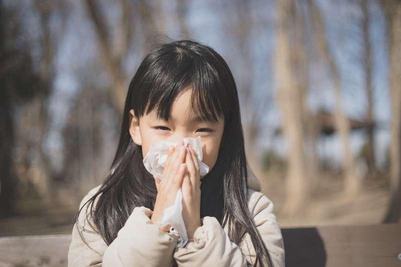 國外竟然有研究指出,吃掉自己的鼻屎,對健康有大益處,能夠增強人體的免疫系統?(圖/pakutaso)