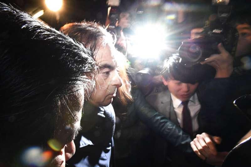涉嫌挪用公款、違反《金融商品交易法》等罪的日產前董座戈恩4日上午又被逮捕。(美聯社)