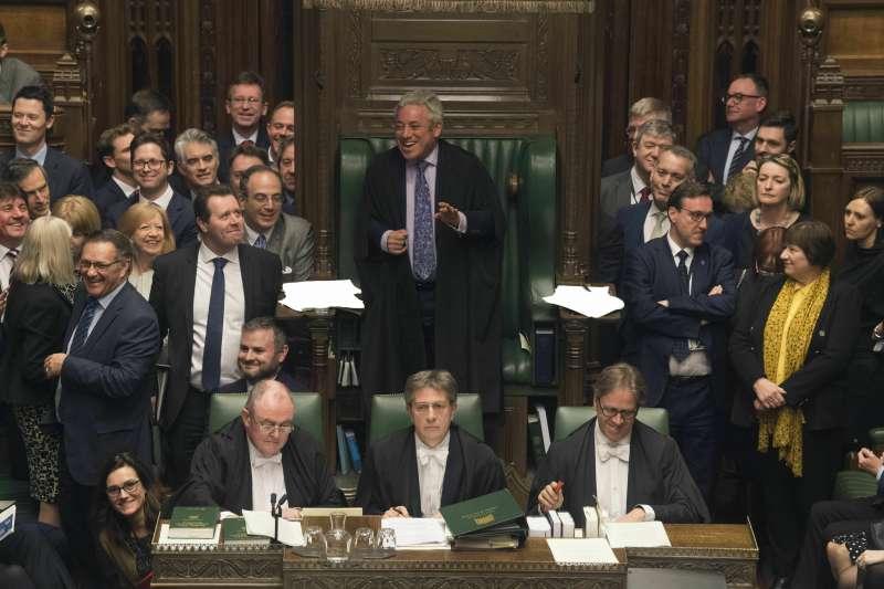 2019年4月,英國脫歐陷入癱瘓渾沌,這是下議院表決相關法案(AP)