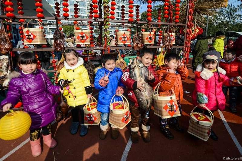 中國的勞動力幾十年來首次出現減少。專欄作者澤林認為,這雖然對社會和醫療體系構成挑戰,但並不意味著國家的沒落。(DW)