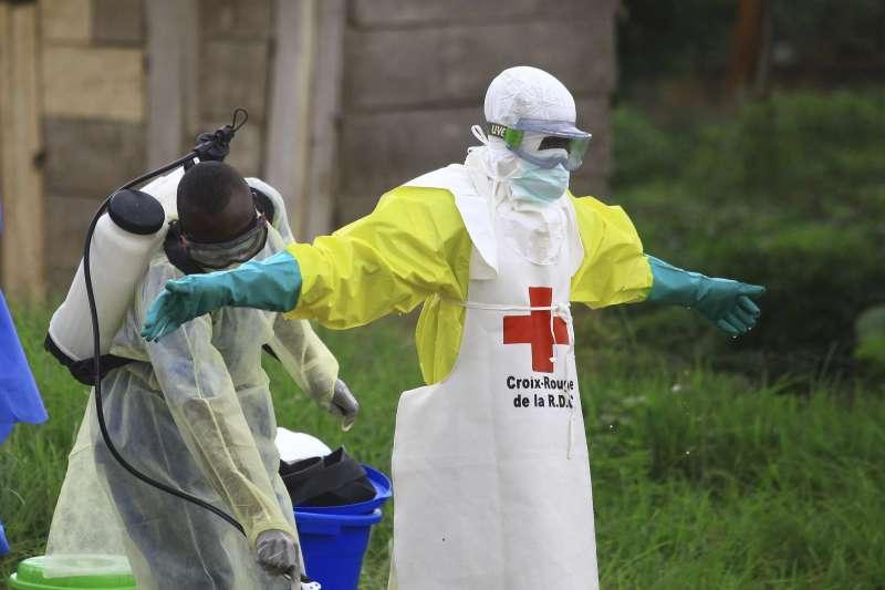 對抗伊波拉病毒出血熱(EVD)的第一線公衛戰士(AP)