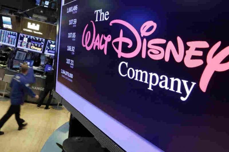 迪士尼致力打造猶如童話一般的實境體驗,養出一大票死忠鐵粉,接著再賺一大筆鈔票。(美聯社)