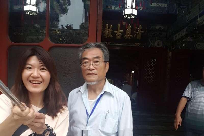 台灣法學專家邵子平因領有中國身分證,遭內政部移民署依法廢止台灣戶籍。白色恐怖受難者魏廷朝之女魏筠9日在臉書為這位父親的好友抱不平。(取自魏筠臉書)