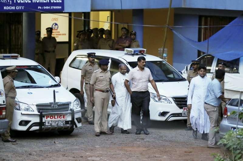 2019年4月9日,天主教印度主教穆拉克因為涉嫌強姦修女,遭警方起訴(AP)