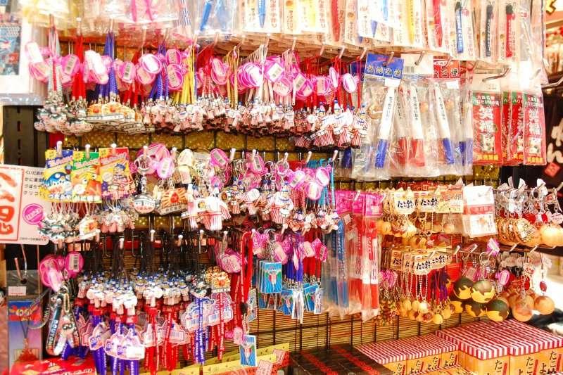 你是不是經常因為超市的打折促銷,買了一堆你用不上或是用不完的東西。(圖/chou_i_ci@flickr)
