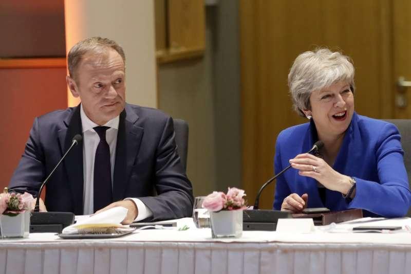 萬聖節脫歐:英國首相梅伊與歐洲理事會主席圖斯克(AP)