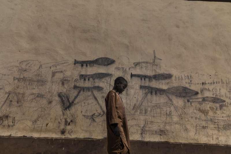 2019年世界新聞攝影大賽(WPP),〈查德湖危機〉(The Lake Chad Crisis)榮獲「環境類─組圖首獎」(AP)