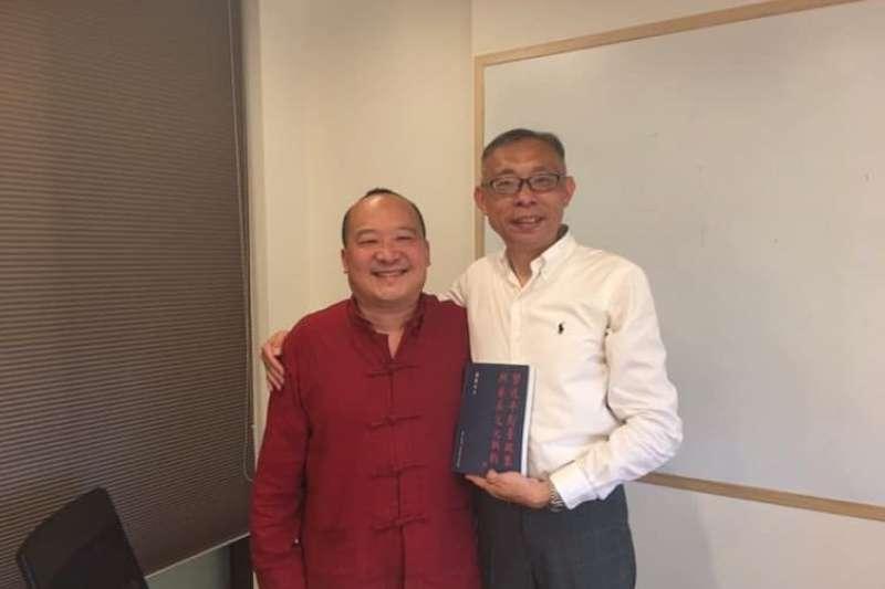 台師大教授范世平(右)昨在臉書po出自己與李毅(左)在2年前的合照。(資料照,取自范世平臉書)