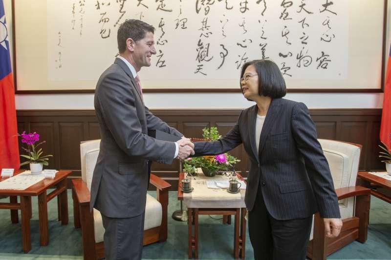 《台灣關係法》40周年,2019年4月15日,蔡英文總統接見美國聯邦眾議院前議長萊恩(Paul Ryan)率領的代表團(總統府)