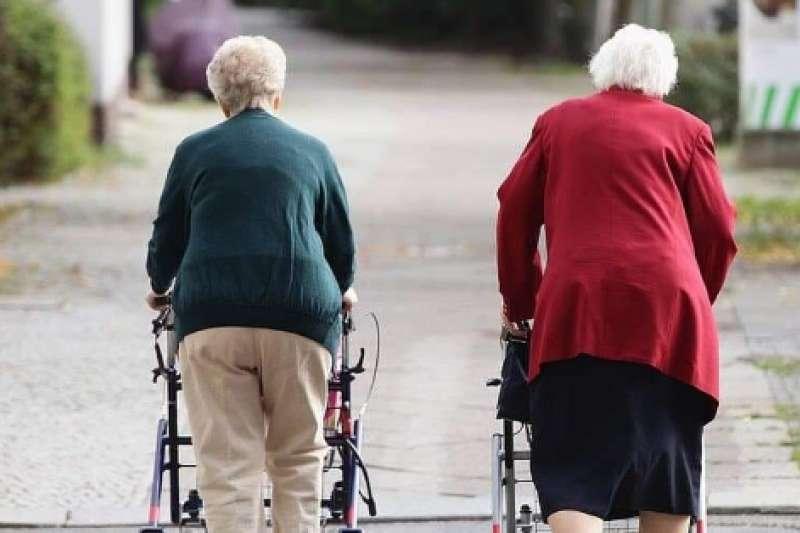 作者指出,現在Google最熱門的搜尋關鍵詞不再是以往的「性愛」等等了,而是「多少錢才能退休」!(圖/作者提供)