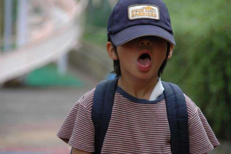 犯錯的少年或孩子,其實正在用生命告訴我們:「他遇到人生的困難了…...,如果只著重懲罰,孩子學會的將是如何避免責罰,而非在遭遇困難時設法求助。」(圖/cotaro70s@flickr)