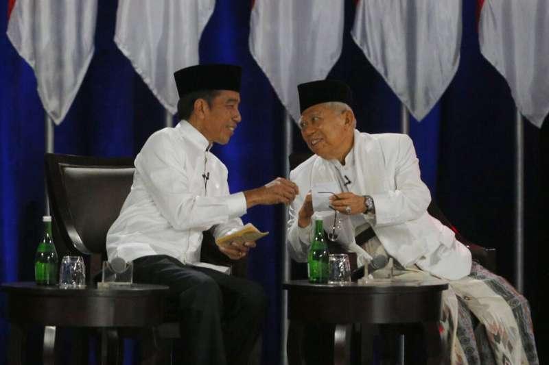 佐科威與他的競選副手阿敏。(美聯社)