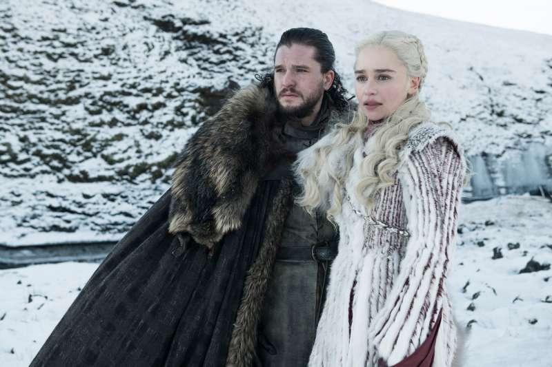 《冰與火之歌:權力遊戲》角色瓊恩雪諾與丹妮莉絲(AP)