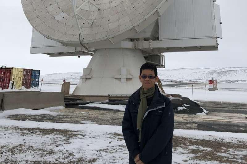 國立中山大學物理系助理教授郭政育指導的學生錢玟澤表現優異,獲邀參與目前正在進行的黑洞觀測計畫,也是台灣團隊成員中最年輕的學生。(取自國立中山大學網站)