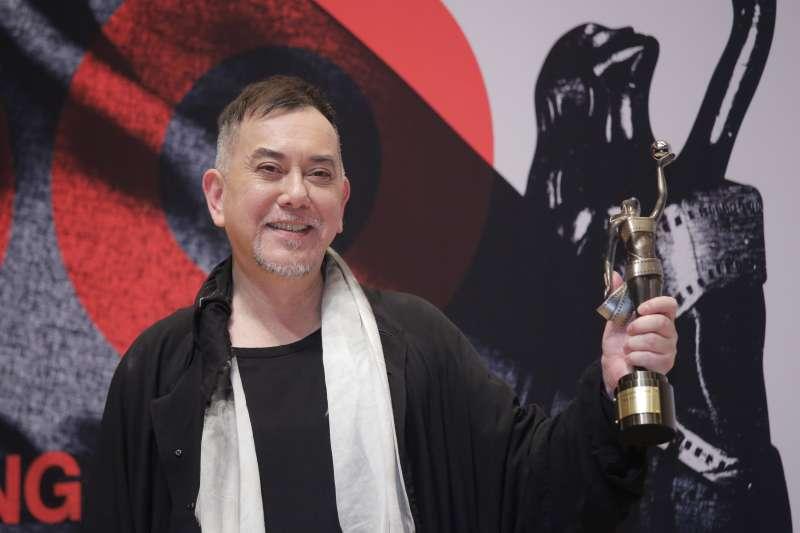 2019年4月14日,影星黃秋生獲得第38屆香港電影金像獎最佳男主角獎項。(AP)