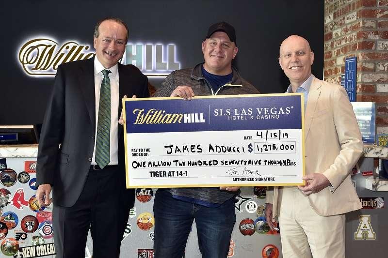美國股票操盤手對老虎伍茲有信心,買267萬贏回史上最高額獎金。 (美聯社)