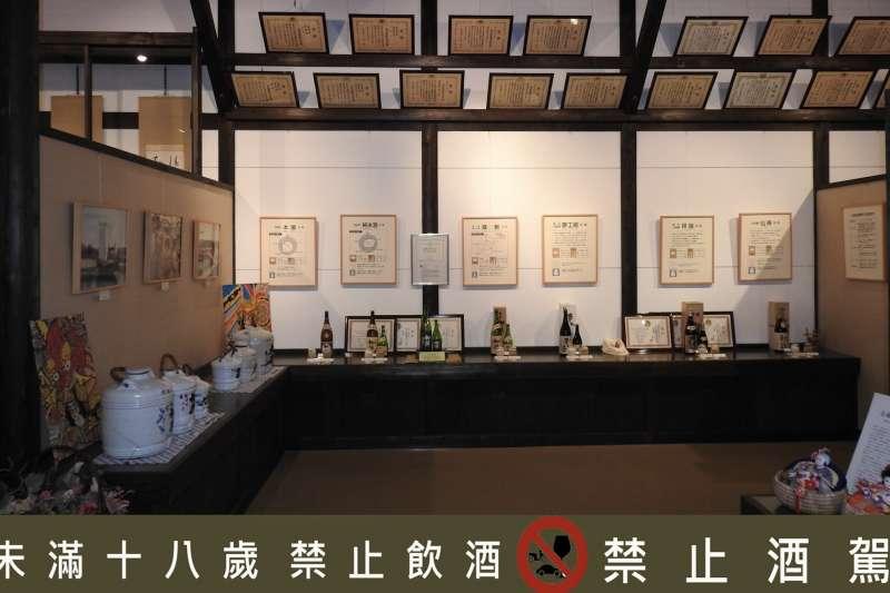 初孫的酒莊原廠內建立自己的博物館,擺放歷年各項獲獎殊榮證書(圖/西村純)