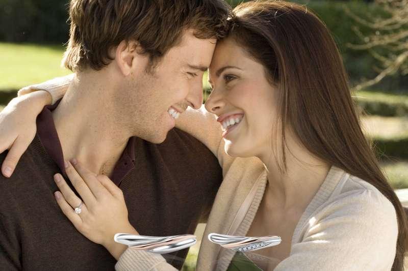 圖二、AMC鑽石建議,購買鑽戒時務必確認有無「身分來源雙證明」(圖/AMC鑽石婚戒)