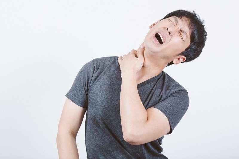 肩頸痠痛也能透過飲食改善。(圖/大川竜弥@pakutaso)