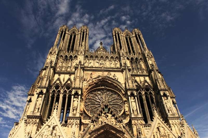 聖母院西側著名的雙塔。(troye owens@flickr CC BY 2.0).jpg