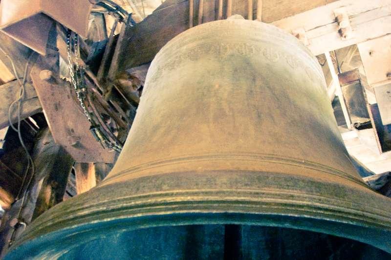 聖母院南塔著名的老鐘「艾曼紐」。(gadgetdude@flickr CC BY 2.0)