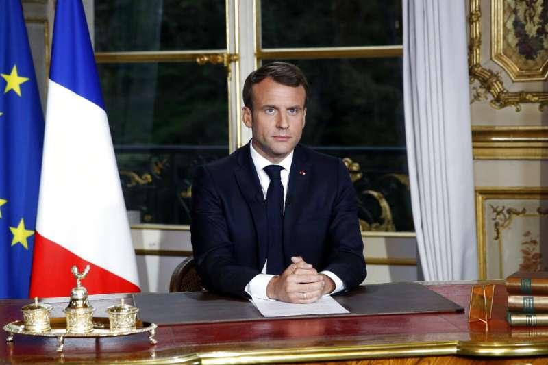 法國總統馬克宏16日發表電視演說,誓言5年內恢復巴黎聖母院的美麗樣貌。(AP)