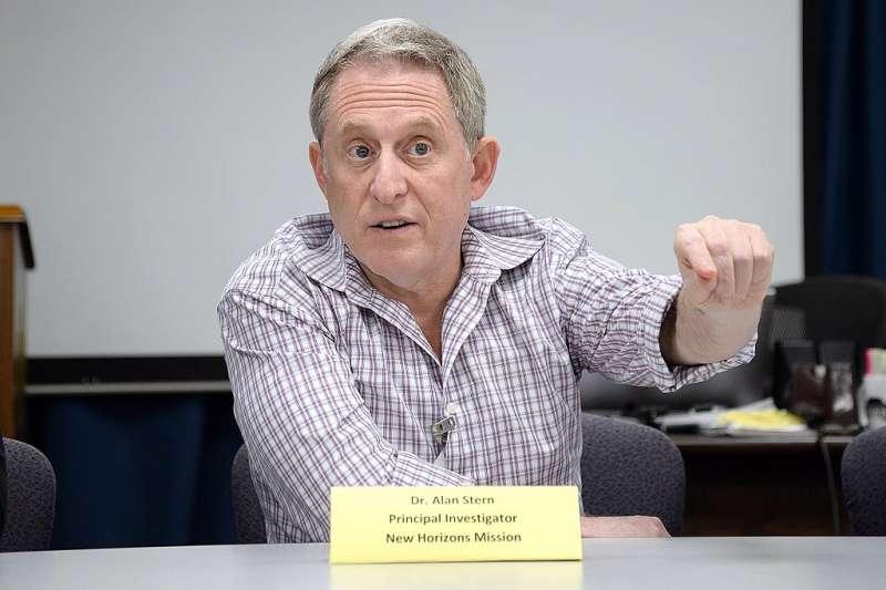 新視野號任務計畫主持人,艾倫‧史登博士Alan Stern(維基百科)
