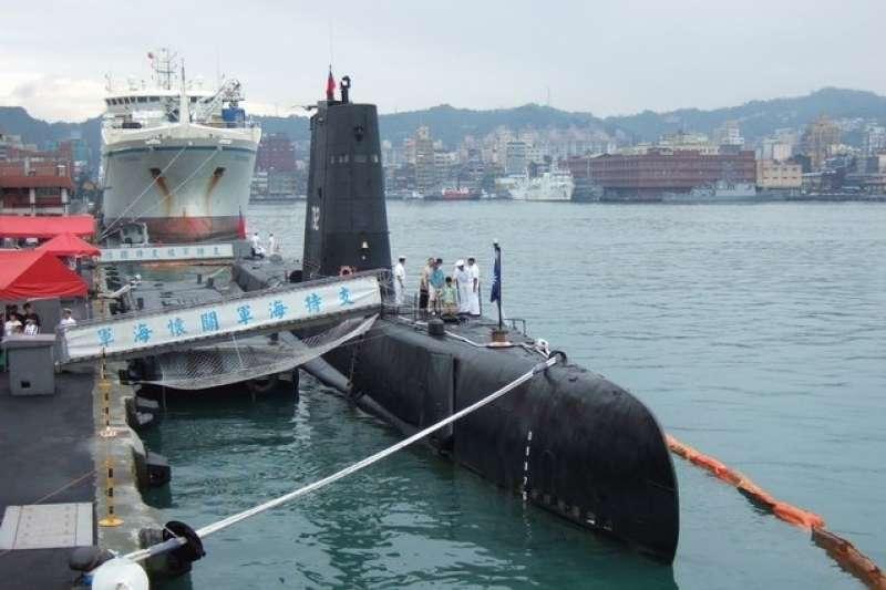 開放參觀時的「海豹」號(SS-792)潛艇。(取自海軍司令部網站)