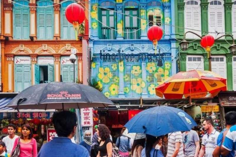 新加坡文化的多樣性讓新移民能夠迅速適應環境。(BBC中文網)