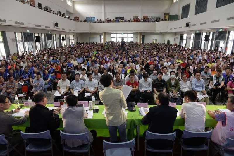 工業管理輔導法修法座談會有近千位全台上千位農地工廠協會成員參加。(圖/林岱樺辦公室提供)