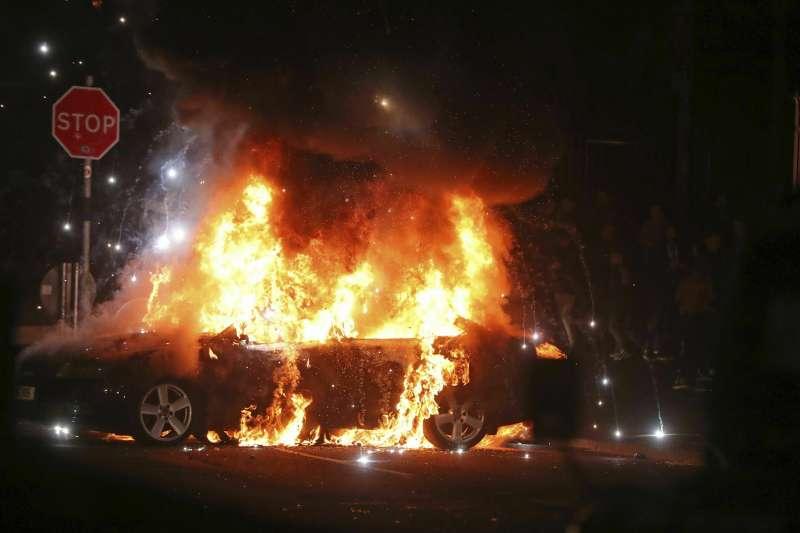 北愛爾蘭動亂:警方攻堅新愛爾蘭共和軍據點(AP)