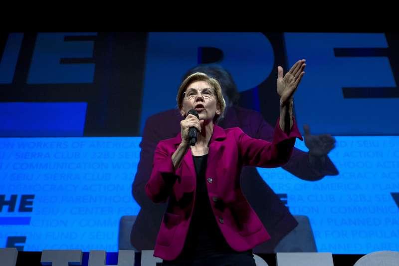 2020年美國民主黨總統參選人華倫(Elizabeth Warren)主張彈劾川普總統(AP)