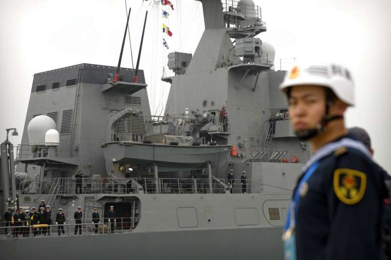 日本海上自衛隊「涼月號」護衛艦。(美聯社)