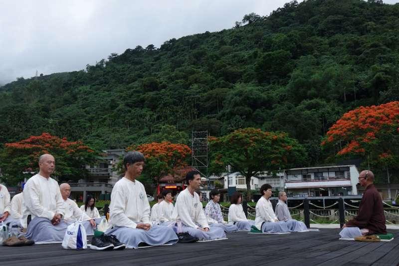 靈鷲山5月24日至26日舉辦的慢活3日「花蓮.禪旅行」,讓參加學員透過禪修,在山海間遇見自己,清楚簡單地生活。(圖/靈鷲山提供)